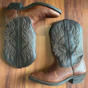 Laredo 5752 Boot 8M brown leather boots embroidery